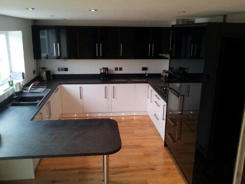 Wickes kitchen and oak floor p a jones carpentry for Kitchen 0 finance wickes